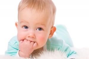 Чешутся десны у ребенка
